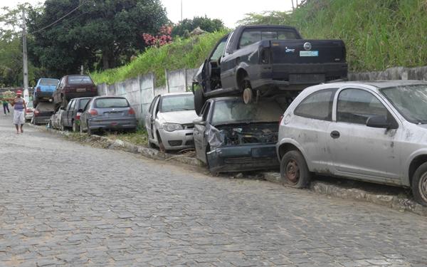 Os carros aprendidos estão à disposição da Justiça