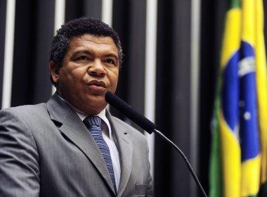 O deputado federal Valmir Assunção (PT-BA) acionou o secretário de Segurança Pública da Bahia (SSP), Maurício Barbosa, e a superintendência da Polícia Federal (PF)
