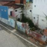 UBAITABA: CASA  ABANDONADA NO CENTRO DA CIDADE É FOCO DO MOSQUITO DA DENGUE