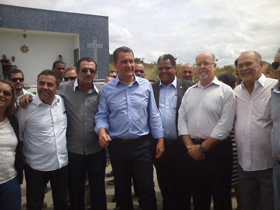 O governador visitou as instalações da Santa Casa São Judas Tadeu com os deputados Euclides e Antonio Brito. (Fotos Jitaúna em Dia)