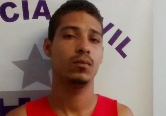 """Adriano Santos Vieira, vulgo """"Paiakan"""" foi detido na casa de sua mã"""