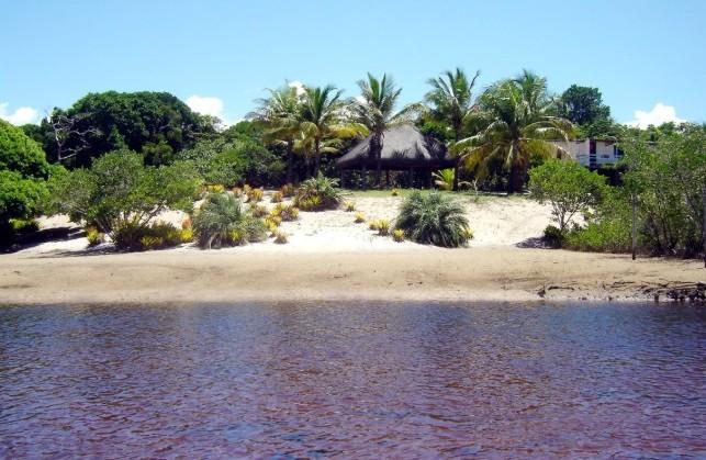 Água morna praia privativa na porta de casas