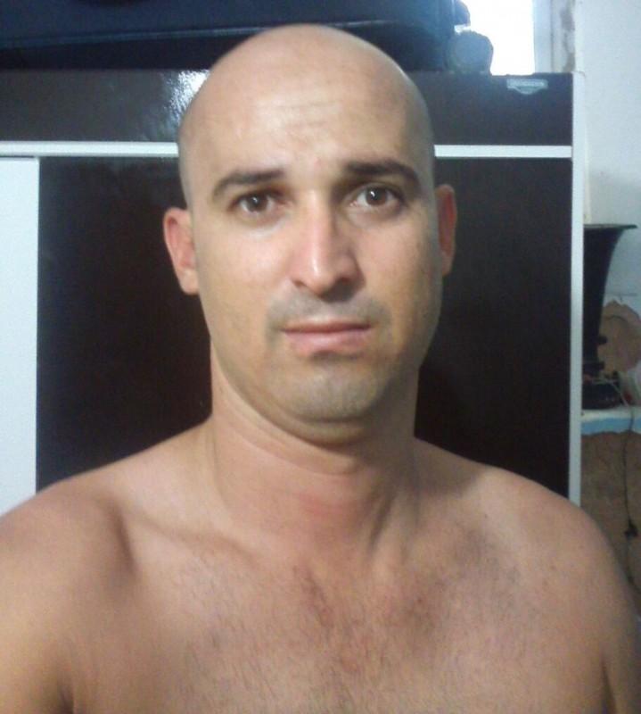 Flávio Albergaria de Oliveira, de 33 anos, autor do assassinato do prefeito segue foragido