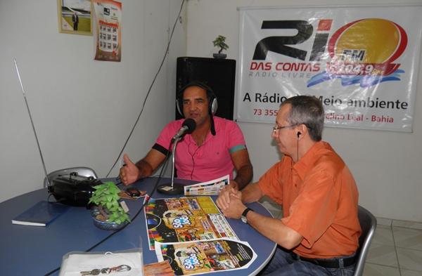 O presidente Jaílton Araujo, ao lado do vice Presidente,  explica em entrevista os detalhes da Campanha