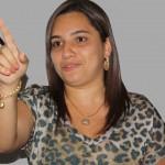 UBATÃ: PREFEITA RAINHA DA INGLATERRA, REINA MAIS NÃO GOVERNA