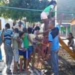 AURELINO LEAL: PREFEITURA CONSTRÓI ÁREA DE LAZER EM POÇO CENTRAL