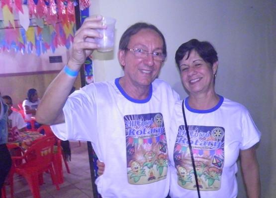 O casal de Dilson/Delza, em clima de S. João