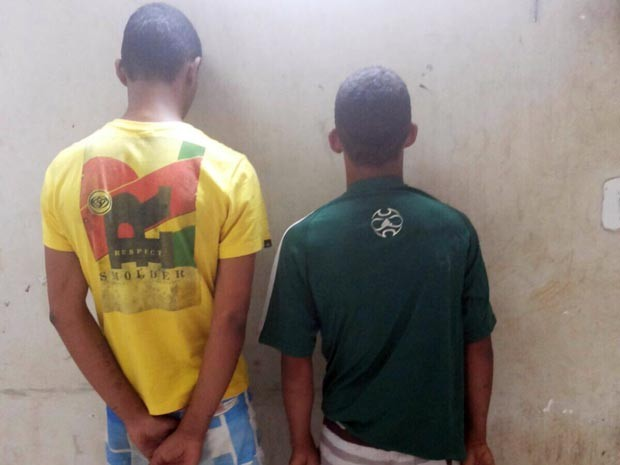 Dois adolescentes, de 15 e 17 anos, foram apreendidos suspeitos do crime (Foto: José Alencar/Site Giro de Noticias)