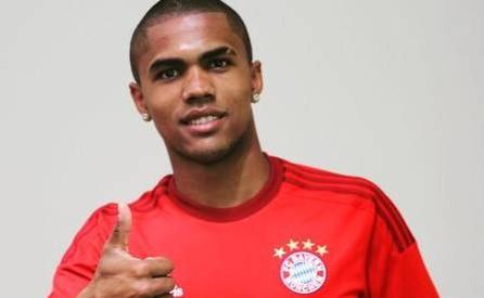 Douglas é dos jogadores mais valorizados do mercado europeu.