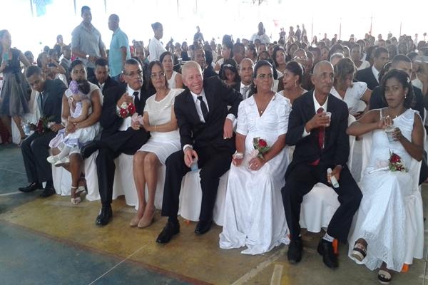 Quarenta e dois casais  deram o sim na presença do Juiz