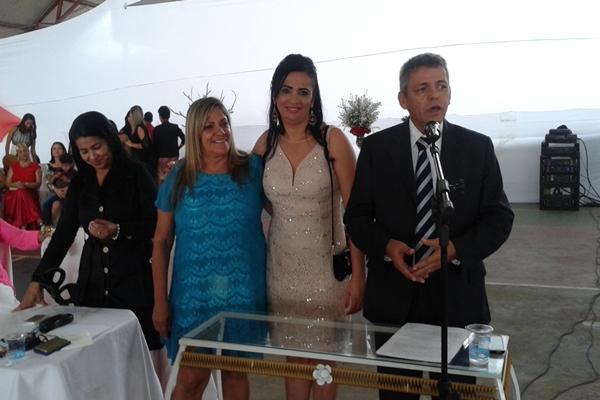 O Juiz de Direito, Dr. Francisco ao lado da Secretaria de Desenvolvimento social, Marly Santana e da serventuária conduziram acerimõnia