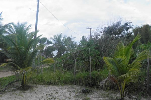 Terreno fica localizado na orla em Algodões, Peninsula de Maraú