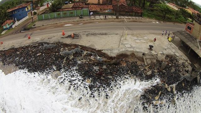 O avanço do mar está caracterizado na orla de Ilhéus (Foto: Áudio e Video
