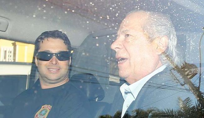 Dirceu que cumpria regime domiciliar é preso acusado de repetir esquema do mensalão na Petrobras