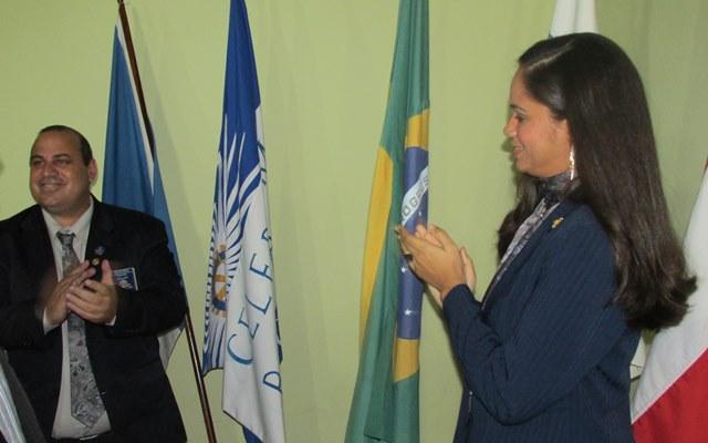 Gov. Leonardo César e sua esposa, Renata Viana, foram convidados para saudar o Pavilhão Nacional