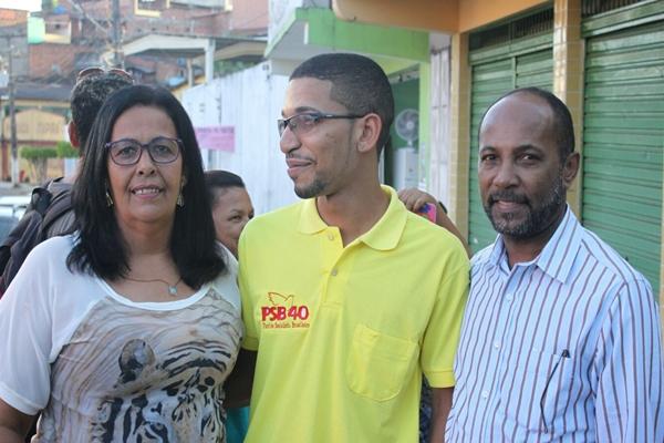 O deputado Federal Bebeto Galvão, ao lado do presidente da Executiva do PSB, Luciano Coelho e da mais nova filiada, Suely Carneiro
