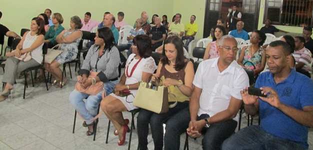 Público presente formado por lideranças políticas, comunitárias e empresariais