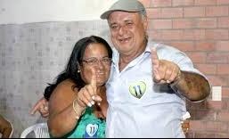 A prefeita Emiliana ao lado do irmão e ex-prefeito Zequinha da mata