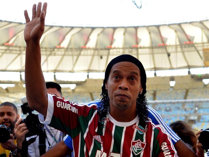 Ronaldinho Gaúcho colocou um ponto final na sua relação com o clube pouco mais de dois meses depois de chegar à Laranjeiras.