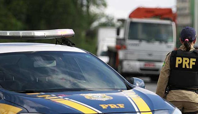 PRF conteve tentativa de assalto a ônibus na BR-101