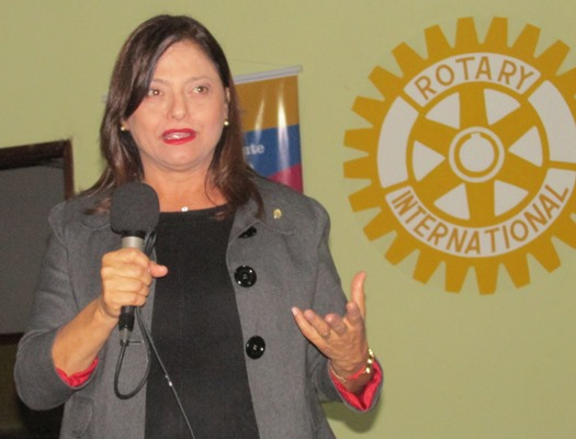 A deputada Alice Portugal tirou dúvidas sobre o tema debatido