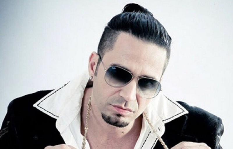 A  Justiça de São Paulo expediu mandado de prisão para o cantor nesta terça-feira (8)