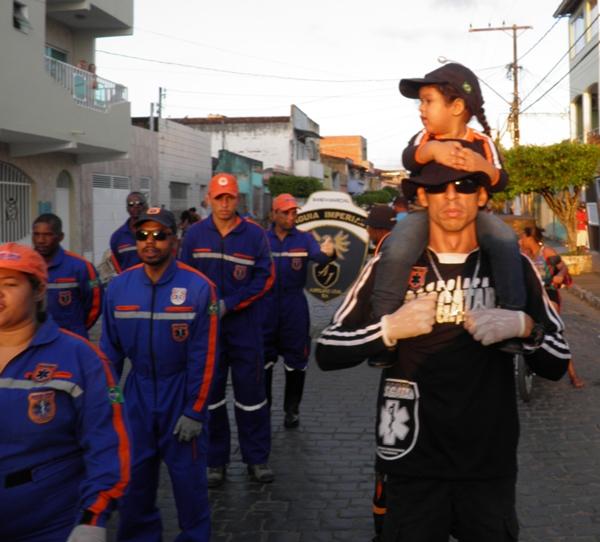 O grupo  APH- Resgatar participou dos desfile