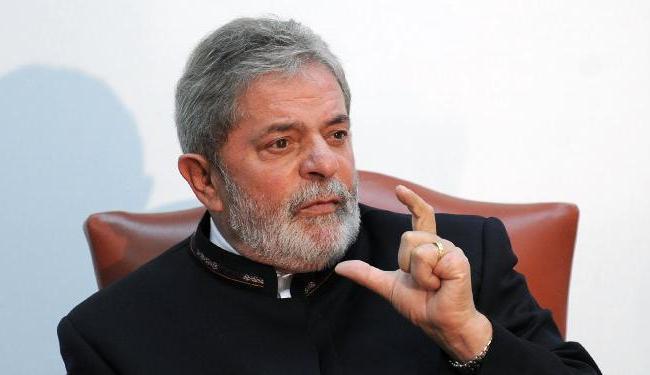 Em troca de apoio de Lula, Cunha não evitará andamento de processo de impeachment