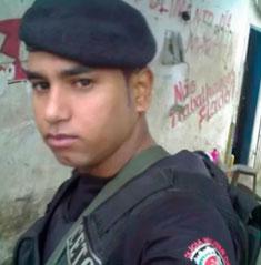 soldado Ubiratan Borges levou quatro tiros do PRF (Foto: Reprodução)