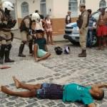 ILHÉUS: POLICIAL REAGE A ASSALTO E MATA 02  BANDIDOS NO PONTAL; VEJA FOTOS