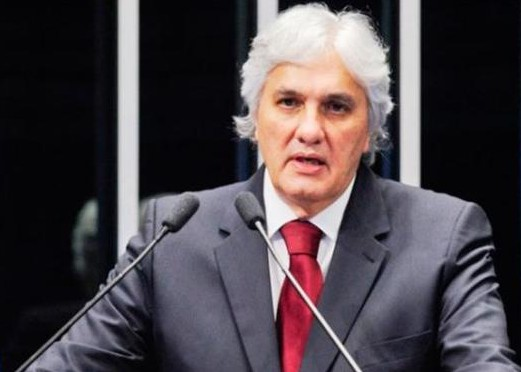 Delcídio é acusado de atrapalhar apurações da Operação Lava Jato