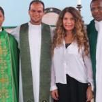 IPIAÚ: ELBA RAMALHO PARTICIPA DE MISSA NA PARÓQUIA DE S. JOSÉ OPERÁRIO