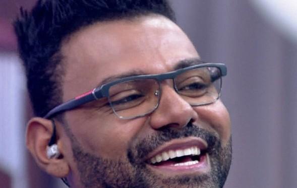 O Pablo foi até o programa do Rodrigo Faro, na Record, em maio, e chorou ao cantar a música Mãe.