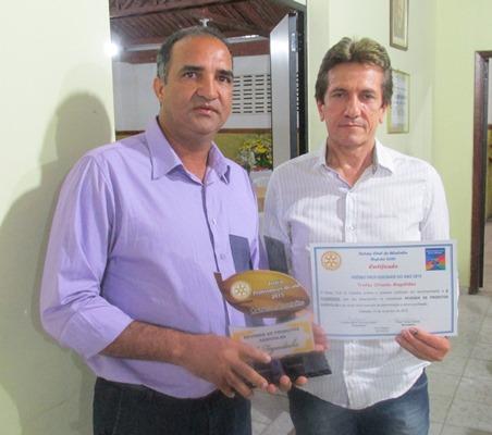 """O empresário Jaílton Araujo recebe  """"Melhor Empresa Revendedora de Produtos Agrícolas"""": A Fazendinha."""