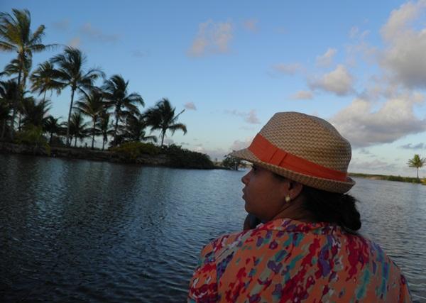 Rebecca curtindo a beleza do Rio Piracanga