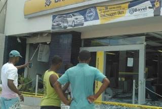 o Bando explodiu a agência do Banco do Brasil