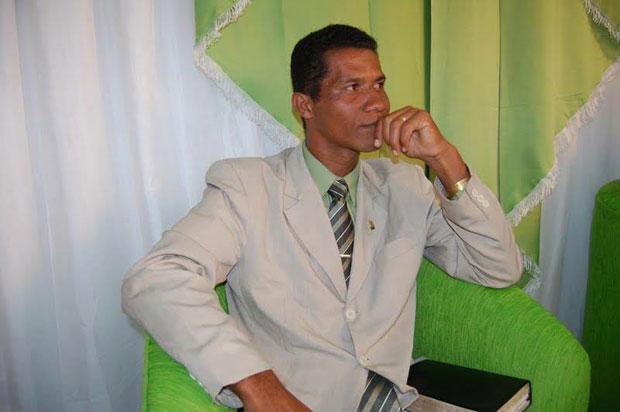 Em depoimento, Fábio e Adriano afirmaram que o mandante do crime seria o Pastor Edmar. Eles informaram também que as vítimas estavam sendo seguidas.
