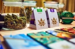 Linha de maconha do rapper Snoop Dogg. Imagem: The Cannabist.