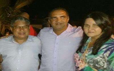 Jaílton,ladeado pelo deputado, Rosemberg Pinto e Solange Sampaio