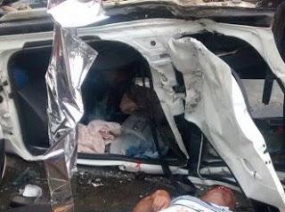 No acidente ficaram dois mortos: o Motociclista e o carona do carro