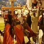 """ENCENAÇÃO DA """"PAIXÃO DE CRISTO"""" EM ITACARÉ ATRAIU CENTENAS DE PESSOAS"""