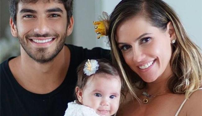 Atriz conta que primeira filha dela com Hugo Moura veio ao amundo após uma camisinha furar