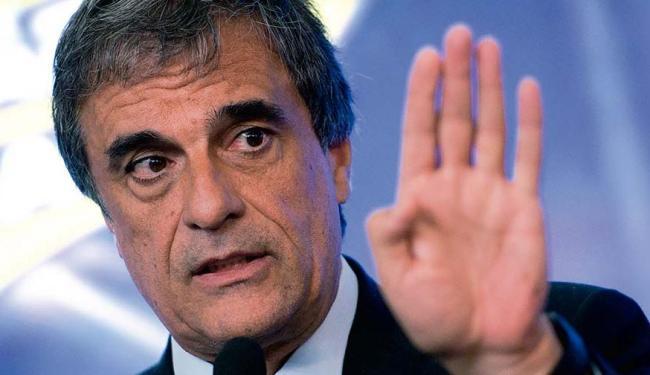 Em documento com 100 páginas, Eduardo Cardozo fará de tudo para barrar impeachment