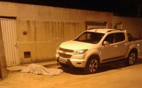 """Antônio da Silva Pereira de 60 anos, mais conhecido como """"Tono da Vassoura"""" chegava em casa quando foi surpreendido por atiradores"""