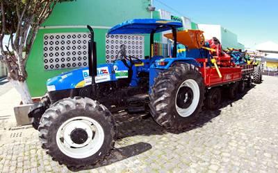 Os tratores serão destinados a Associação dos Pequenos Agricoltores