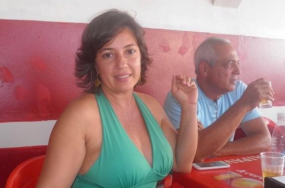 Márcia no destaque ao lado do amado, no Bar Visgueirão, em Uubaitaba