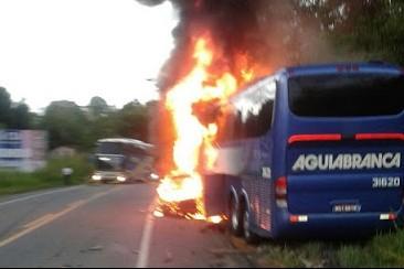 Acidente foi registrado próximo a Tancredo Neves (Foto: Reprodução)