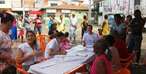 Rotarianos auxiliados por profissionais da saúde realizaram  200 testes