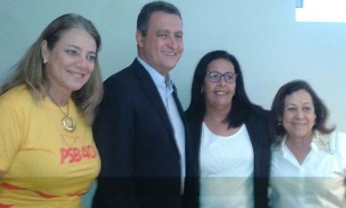 A pré-candidata ao lado do governador, Rui Costa e da Senadora Lídice da Matta