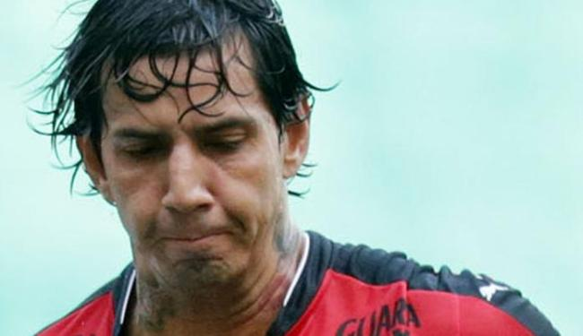 Victor Ramos condenou atitude de grupo que o ameaçou do morte após derrota do Vitória
